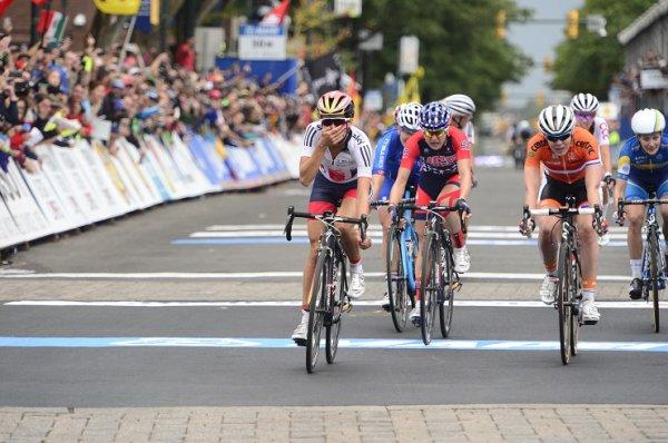 Elizabeth Armitstead, Championne du Monde de Cyclisme sur Route !...