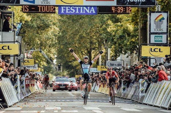 Matteo Trentin remporte le 109 ème Paris - Tours !...