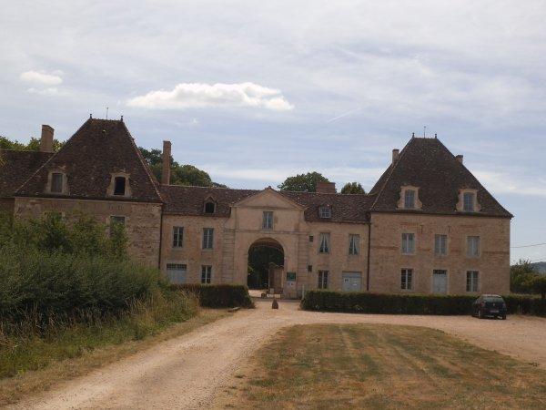 Images de Saône-et-Loire : L'abbaye de la Ferté à Saint-Ambreuil !...