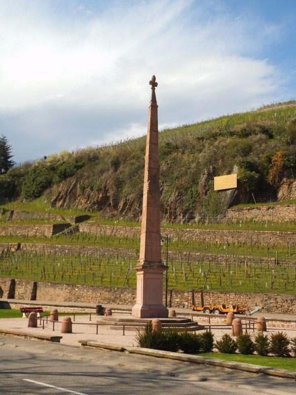 Images du Haut-Rhin : Le monument Turenne à Turckheim !...