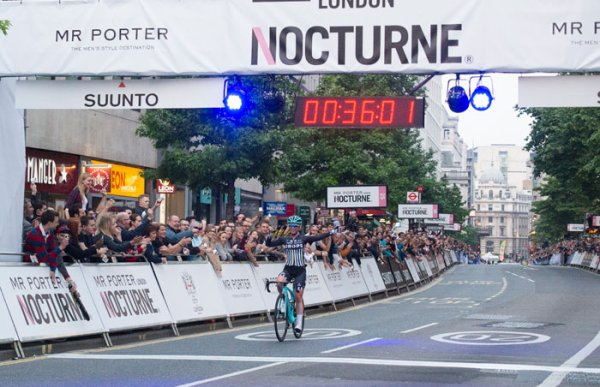 Christopher Lawless et Alice Barnes remportent la 10 ème édition du critérium cycliste « Mr Porter London Nocturne » !...
