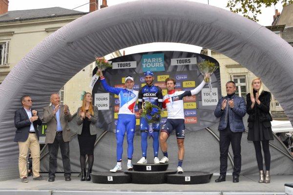 Fernando Gaviria remporte le 110 ème Paris - Tours !...