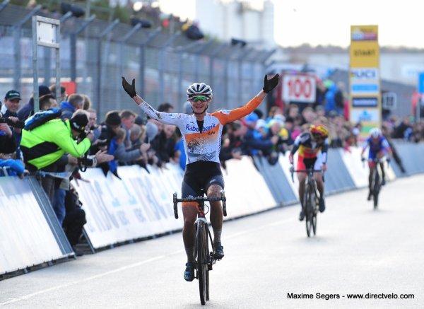 Wout van Aert et Marianne Vos remportent la 7 ème manche de la Coupe du Monde de Cyclo-Cross, à Heusden-Zolder, en Belgique !...