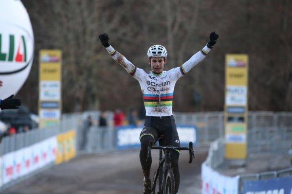 Wout van Aert et Marianne Vos remportent la 8 ème et avant-dernière manche de la Coupe du Monde de Cyclo-Cross, à Fiuggi, en Italie !...