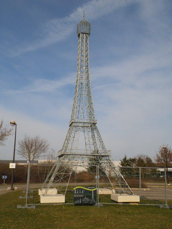 Images du Haut-Rhin : La « Tour Eiffel » de Wittelsheim !...