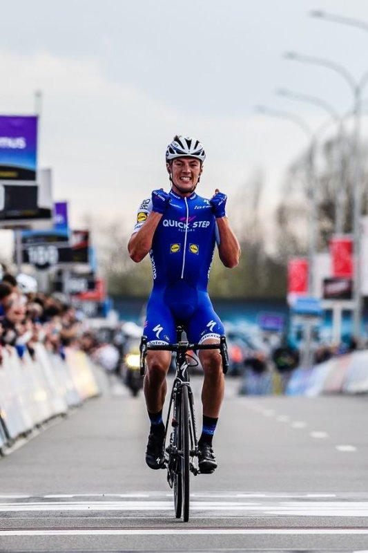 Yves Lampaert remporte le 72 ème « À travers les Flandres » !...