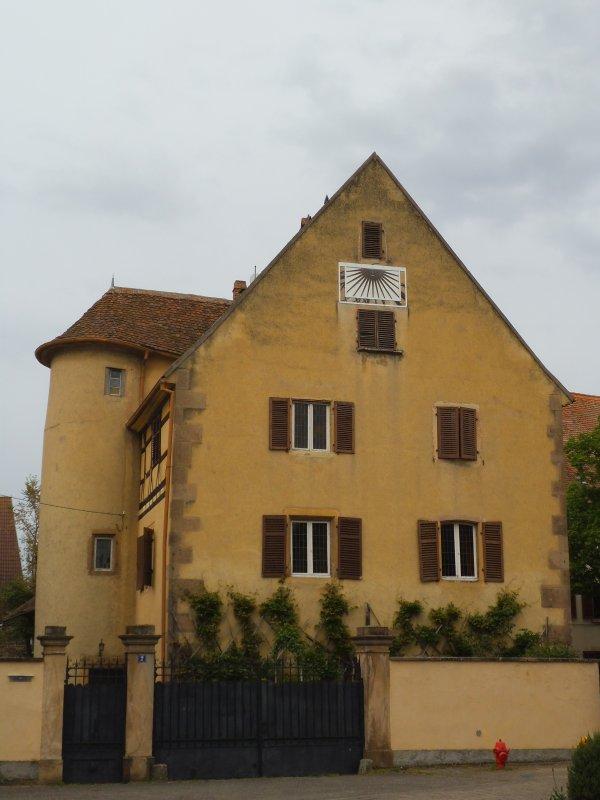 Images du Haut-Rhin : La Maison de Notable de Herrlisheim (près Colmar) !...