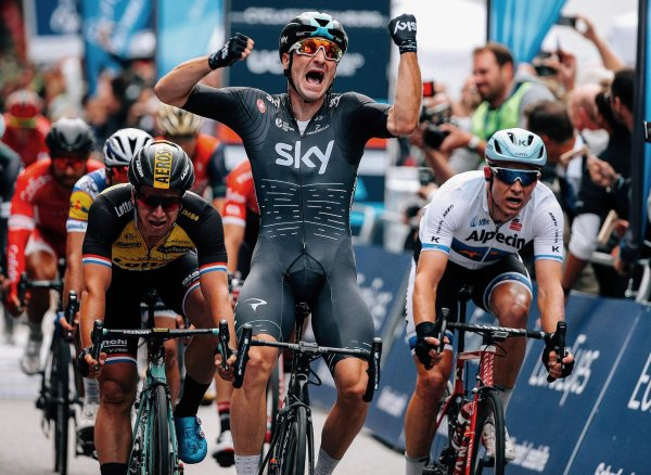 Elia Viviani remporte la 22 ème EuroEyes Cyclassics !...