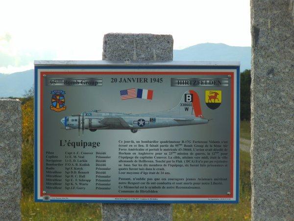 Images du Haut-Rhin : Le mémorial en hommage au bombardier B 338660 W, à Hirtzfelden !...