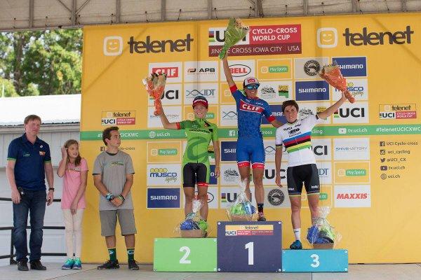 Mathieu van der Poel et Kateřina Nash remportent la 1 ère manche de la Coupe du Monde de Cyclo-Cross, à Iowa City, aux Etats-Unis d'Amérique !...