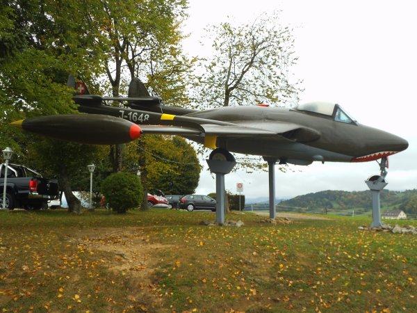 Images de Suisse : L'aérodrome de Schupfart !...