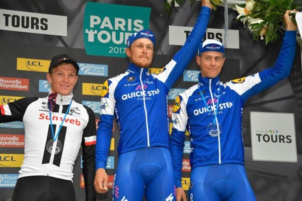 Matteo Trentin remporte le 111 ème Paris - Tours !...