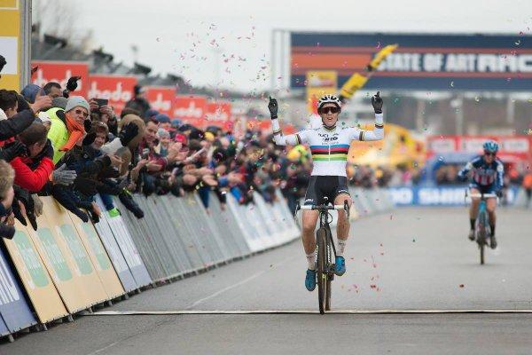 Mathieu van der Poel et Sanne Cant remportent la 7 ème manche de la Coupe du Monde de Cyclo-Cross, à Heusden-Zolder, en Belgique !...