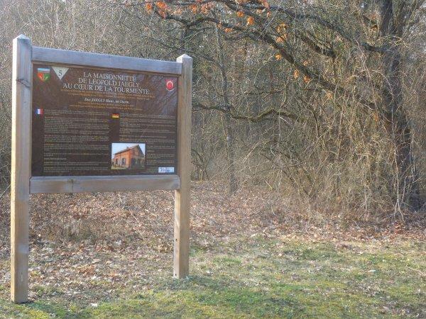 Images du Haut-Rhin : La maisonnette de Léopold Jaegly !...