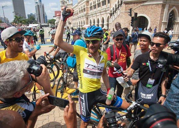 Artem Ovechkin remporte le 23 ème Tour de Langkawi !...