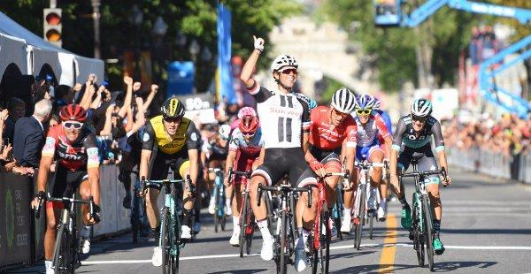Michael Matthews remporte le 9 ème Grand Prix Cycliste de Québec !...