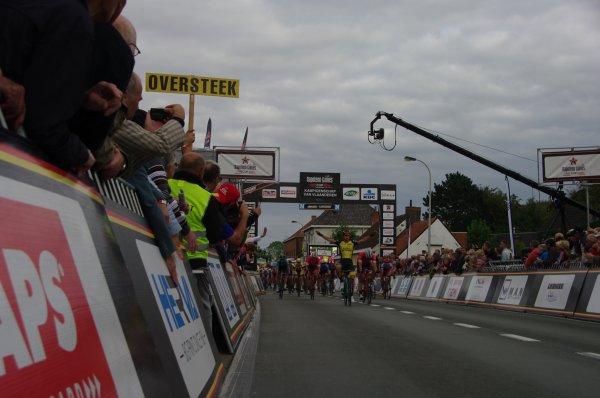 Dylan Groenewegen remporte le 103 ème Championnat des Flandres !...
