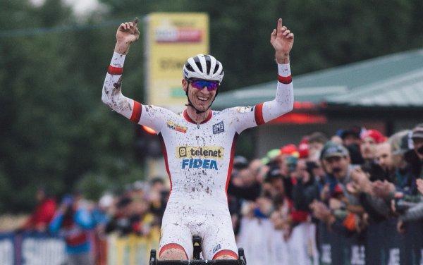 Toon Aerts remporte la 2 ème manche de la Coupe du Monde de Cyclo-Cross, à Iowa City, aux Etats-Unis d'Amérique !...