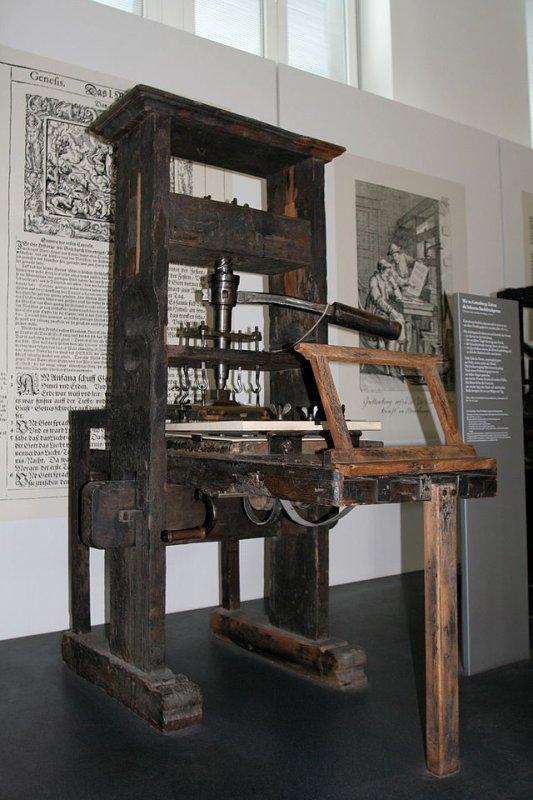 Mobilier en bois _ _ Presse typographique