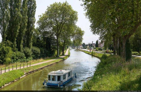Paysages du canal de Bourgogne