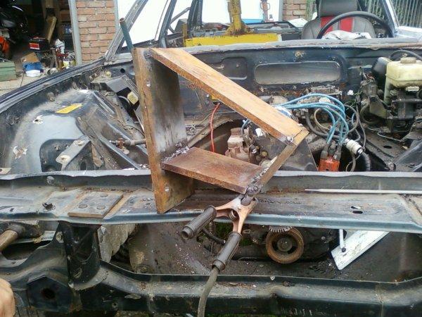 pose moteur ford sierra 2litre + support moteur fait maison