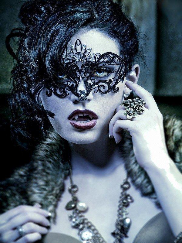 Vous êtes plus vampire, loup garou ou les deux?