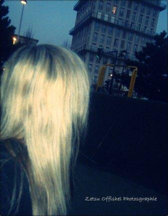 [  Si demain dans ta rue , si demain dans ta ville on te montre du doigt parce que ta les cheveux comme sa , parce que tu t'habille comme sa dit leur que se sont des pervers !                                                                                                                Indochine ♥ ]