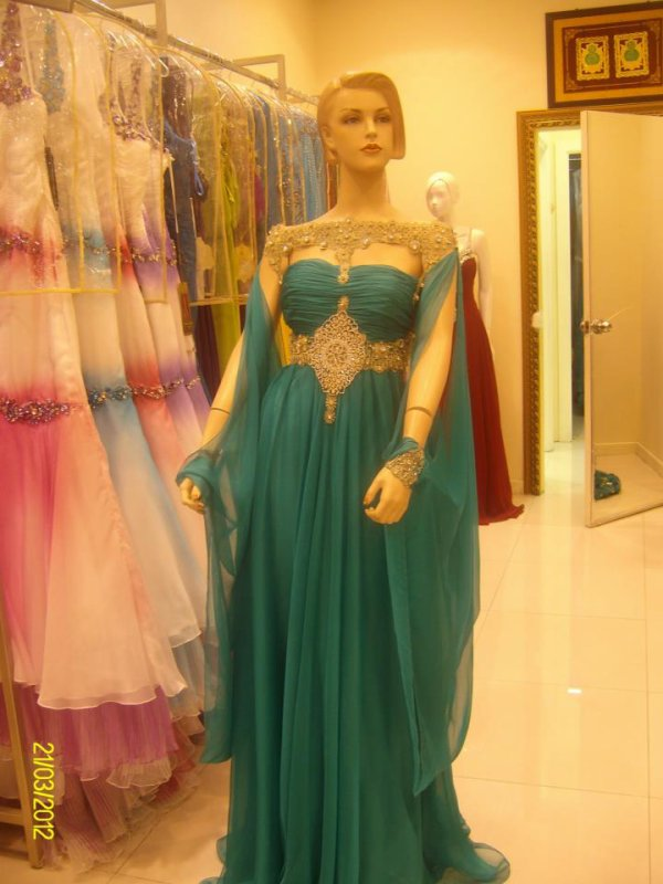 Magnifique Robe Dubai/Emirates  T 40  Coloris ROSE