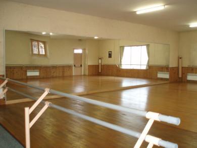 la salle de danse ma vie modern jazz 64190. Black Bedroom Furniture Sets. Home Design Ideas