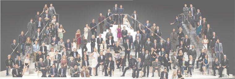 Pour célébrer son 100e anniversaire, Paramount Pictures assemblé 116 des plus grands talents jamais à travailler au studio. Aw, regardez: ce sont ces enfants mignons à partir du haut et du centre Love Story! Indiana Jones et Jack Dawson doit être ici quelque part. . .