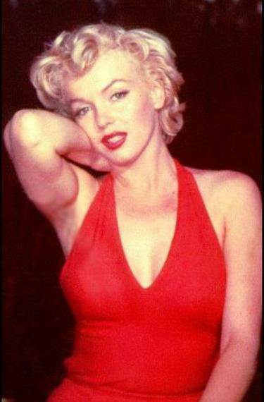 « Ce que je porte la nuit ? Mais... N 5 de Chanel, bien sûr ! » Marilyn Monroe