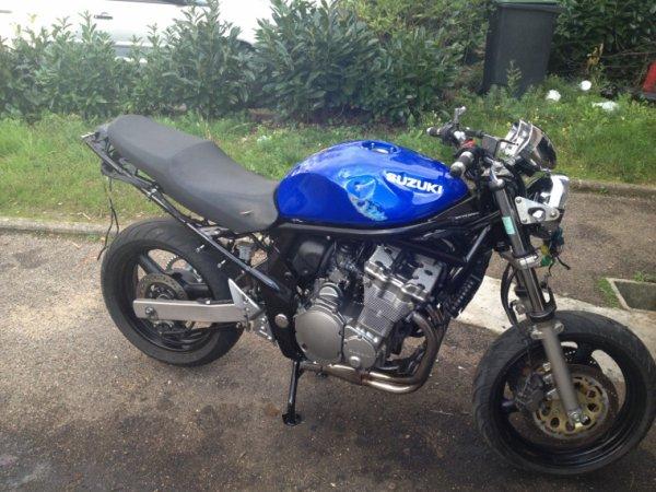 Un jour une moto