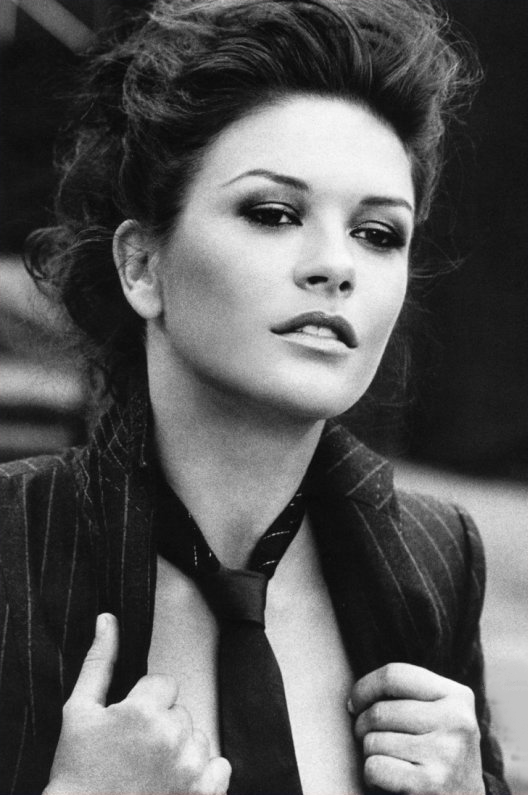 ____________________________________________________________________________________________________  _________________________________________________________________________________________ ______________«_ARTICLE_-1O _; _CATHERINE ZETA-JONES_»___________________   ____________________________________________________________________________________________________ ____________________________________________________________________________________________________