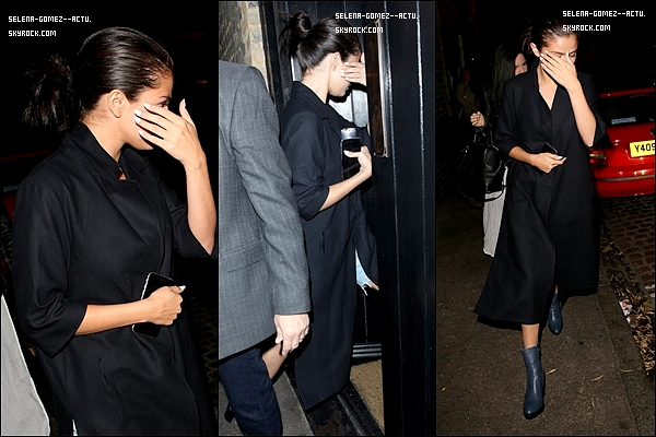 Le 27 Juillet 2015 Selena était auChiltern Firehouse (un restaurant) à Londres.