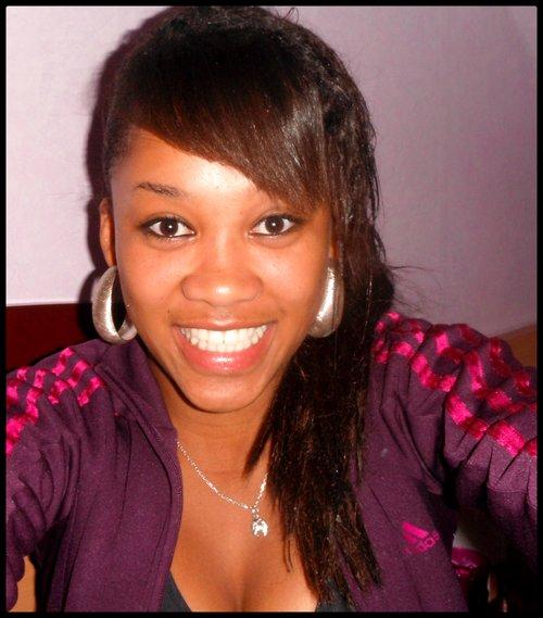 ` ● Candice ` ● 18 ans.Du 14/11 c` ● Brest (&)lLandi. ` ● En couple ` ● Gwada&Bretagne       ....................................   Je suis une  Black Panther comme mére à Tupac Amaru