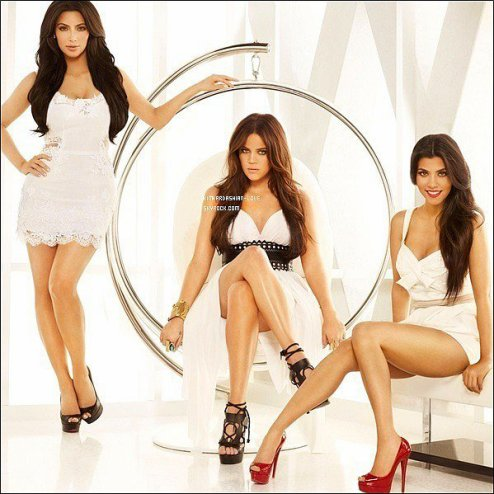 "Une toute nouvelle photo promotionnelle ""Keeping Up With The Kardashian"" vient de sortir."