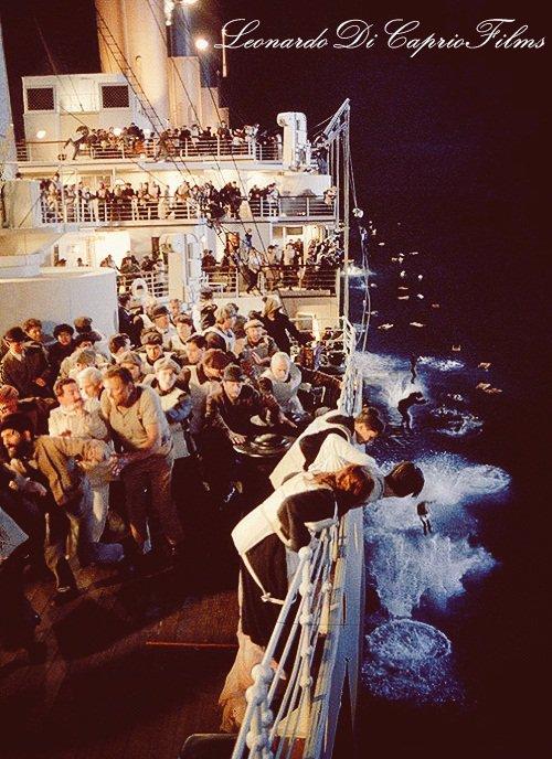 La dernière suite des canots de sauvetage (: <3