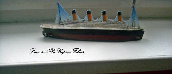 Mes deux Posters sur Titanic + Ma petite maquette du Titanic ! (: <3