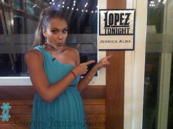 "Mercredi 10 Août 2011 : Jessica à lémission "" Lopez Tonight """