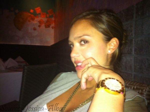 Dimanche18 Septembre  2011 : Jessica & Honor se baladant dans Beverly Hills .