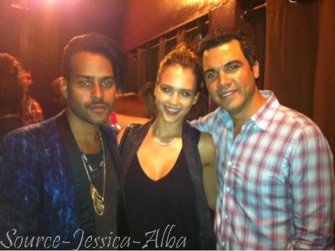 "Samedi 24 Septembre  2011 : Jessica, Cash & Honor allant prendre leur petit déjeuner au restaurant "" Nate'n' Al"" dans Beverly Hills."