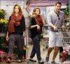 Dimanche 25  Septembre  2011 : Jessica et Cash sortant de chez Whole Foods à Beverly Hills après avoir fait leurs courses