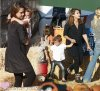 "Lundi 17 Octobre 2011 : Jessica emennant ces deux filles Honor & Haven au ""Pumpkin Patch "" dans Los Angeles"