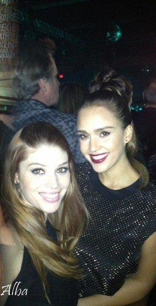 """Mardi 8 Novembre  2011 : Jessica promenant Haven dans New- York . Le soir , Jessica s'est rendue à l'évênement """" Versace for H&M"""" ."""
