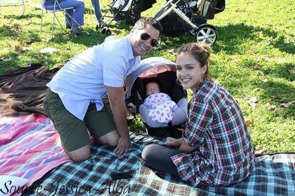 Vendredi 18 Novembre  2011 : Jessica allant à un rendez vous professionel dans Los angeles .