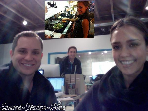 Mardi 24 Janvier 2012 : Jessica se rendant à son bureau .