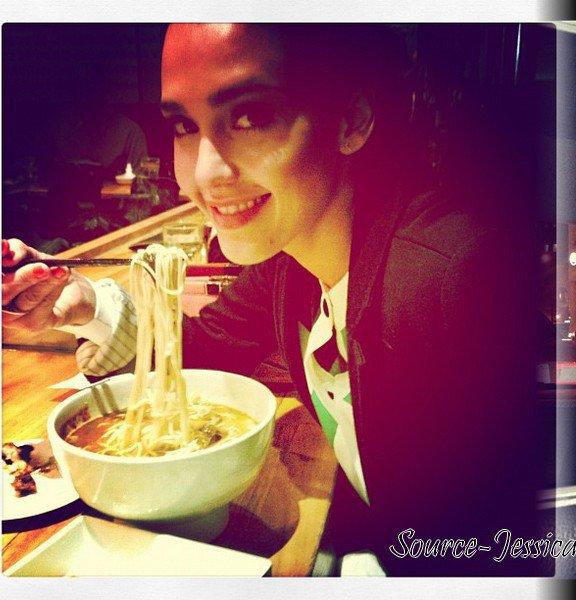 Mercredi 15  Février  2012 : Jessica allant prende son déjeuner dans New York