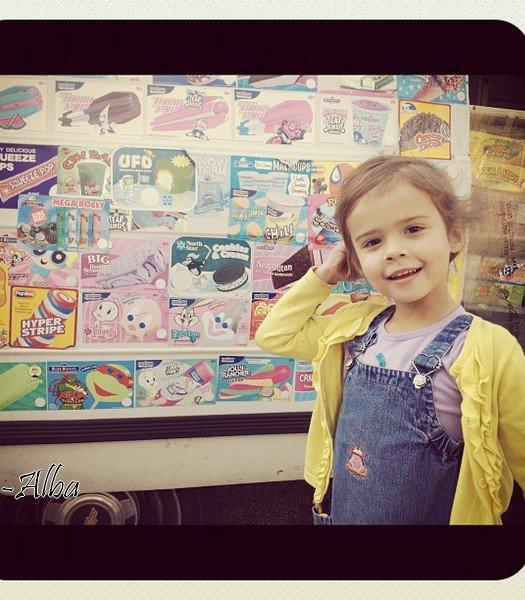 Dimanche 11 Mars  2012 : Jessica & Cash ont emmenés Haven & Honor au Parc . Ensuite toute la famille est allée à Whole Foods. Enfin Jessica & Honor allant faire du shopping dans Los Angeles