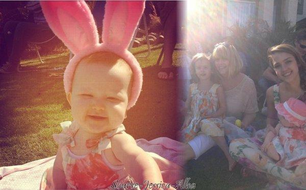 Dimanche 8 Avril 2012 : Jessica ,Cash  Haven & Honor prenant le petit déjeuner au restaurant nate and Al . Ensuite , Jessica a emmenée Haven & Honor à une fête pour Pâques .