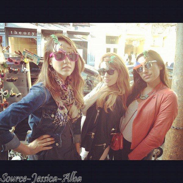 Dimanche 6 Mai  2012 : Jessica se promenant dans les rues de New York